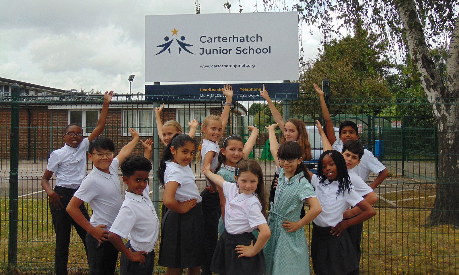 Carterhatch Junior School - exterior signage